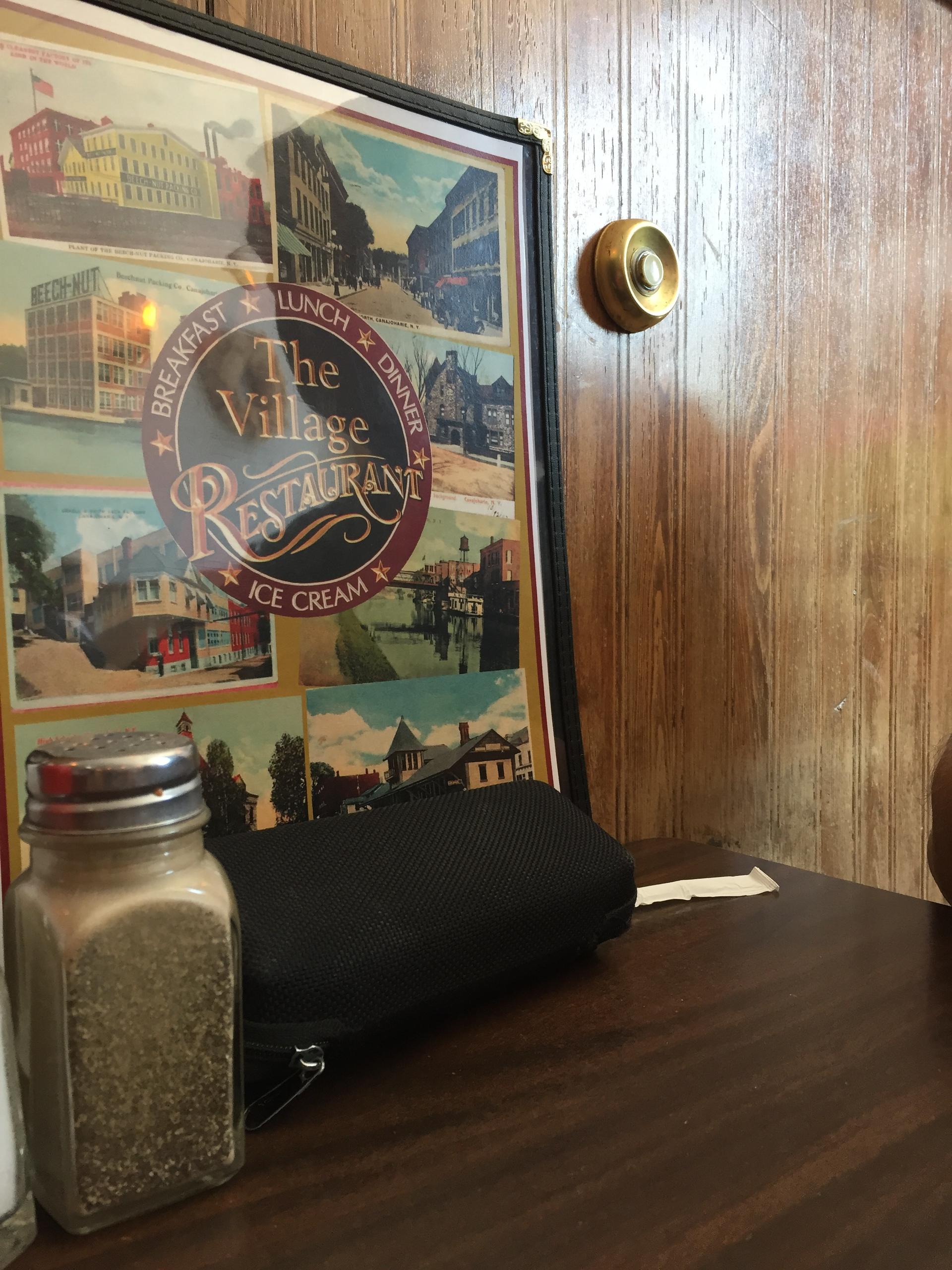 Doorbells to call your waitress