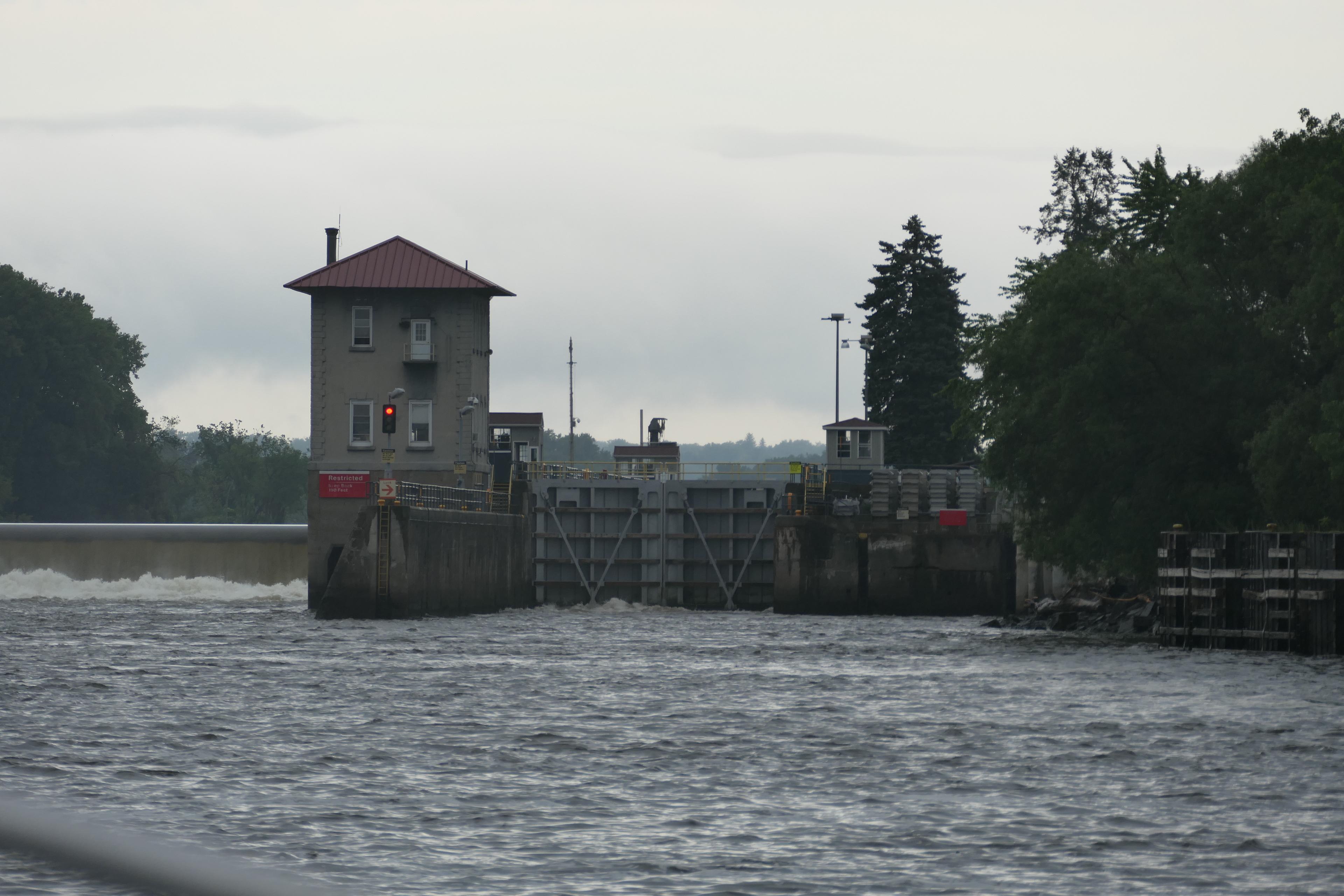Approaching Troy Federal Lock