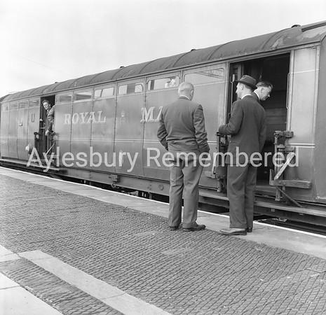 Mail train, Aug 1963