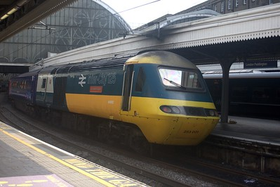 43002, 'Sir Kenneth Grange', London Paddington Station.