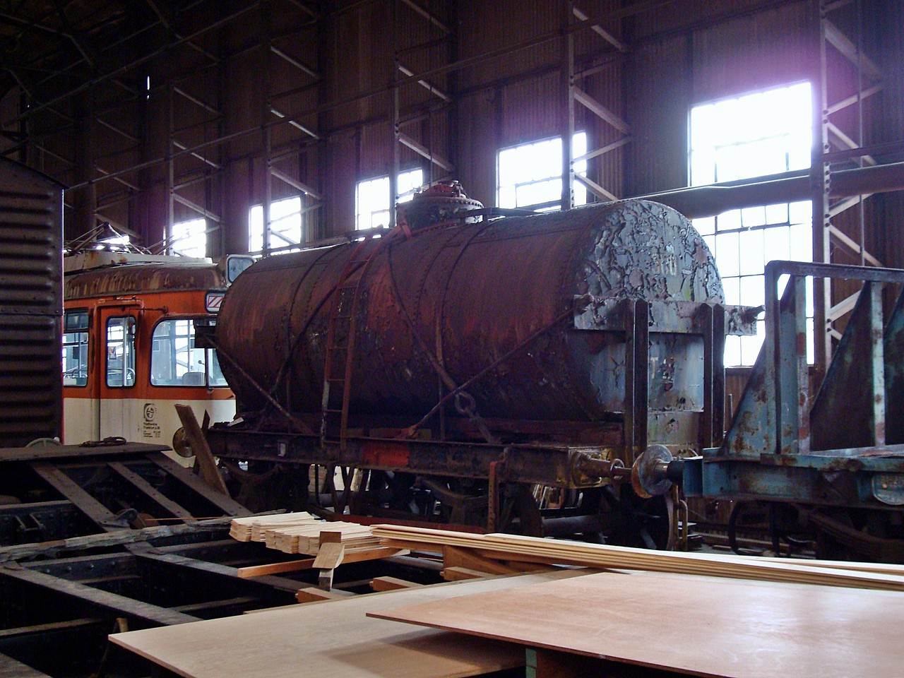 PO 653 Oil Tank  31,07,2010 (Now At Great Torrington Devon)