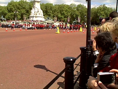 Video of the Changing of the Guard, click the PLAY button.  London, England