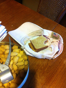 Proper technique for remembering where you leave your PB&J