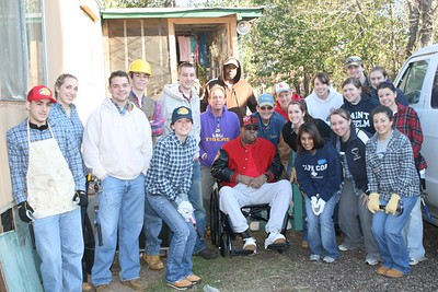 09 03 Minden, LA - Frank Dillon (owner of the trailer) with students and others helping with the renovations. lf
