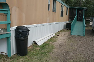 09 03 Minden, LA - New skirt and extended ramp done. New 8' X 8' storage shed was built that week, too (not shown). lf