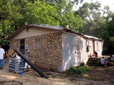 Alton & Dot Thomas house - severe leaky roof and unstable floor.  ky  lcf