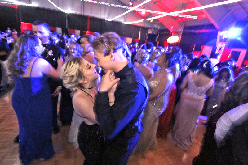 Prom Night for Greater Lowell Tech at the Boxboro Regency. SUN/David H. Brow