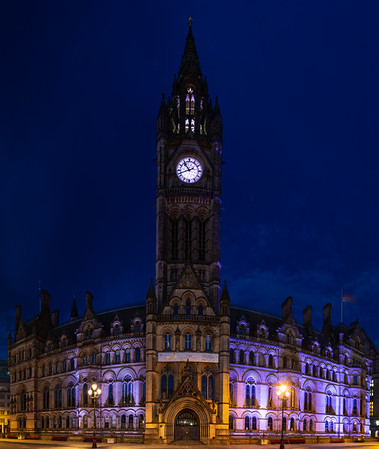 Manchester Town Hall at night