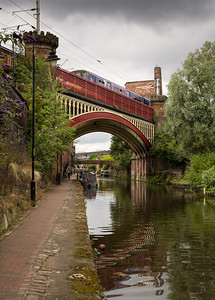 Train over the Bridgewater Canal