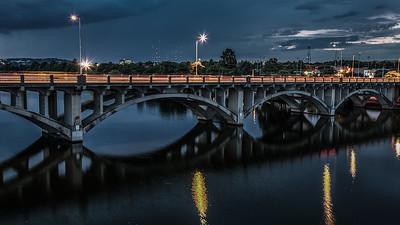 Traffic on the Lamar Bridge