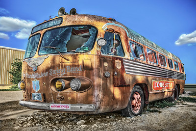Bus that sat outside the Broken Spoke Bar.