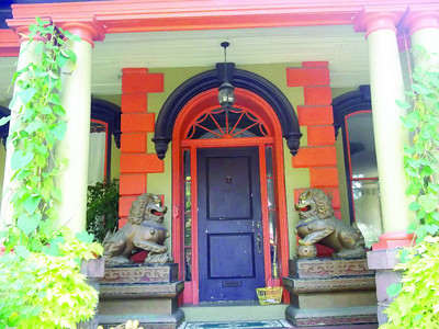 "These lions, or ""foo dogs,"" are believed to protect people and possessions, and certainly command attention to Liz Miele's home on Millionaires Row."