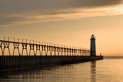 Manistee | North Pierhead Lighthouse | Manistee County          summer