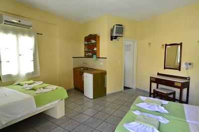 Pavezzo guest house Ios, Greece