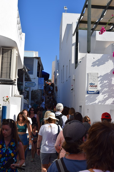 As you can see, the streets in Oia Village were very crowded