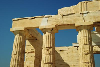 Athens_Parthenon_top-corner_D3S0116