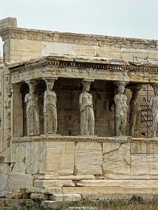 greece-statue-ruins