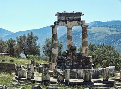 delphi-greece-ruins-4
