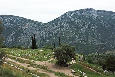 delphi-ruins-greece