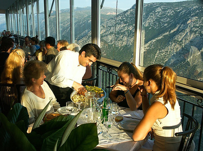 delphi-greece-dining