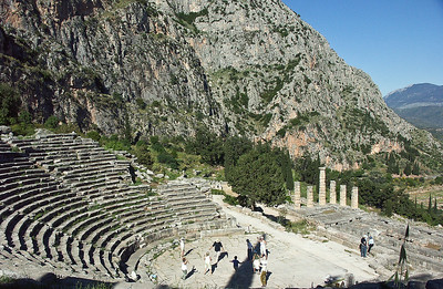 delphi-ruins-prayer-dancing-2