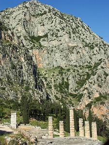 delph-ruins-greece