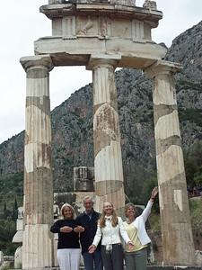 delphi-ruins-greece-4