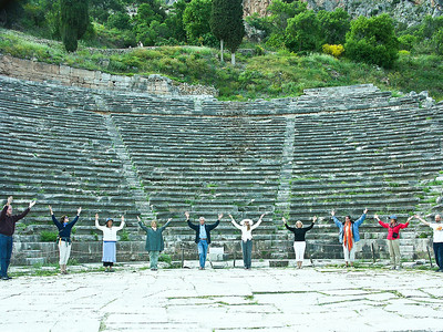delphi-ruins-prayer-group
