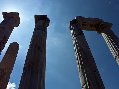 greece-temple-ruins-2