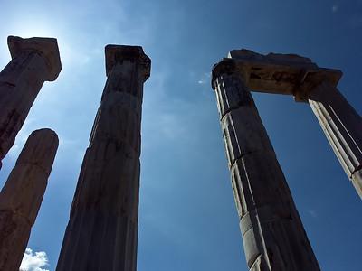 greece-temple-ruins-2