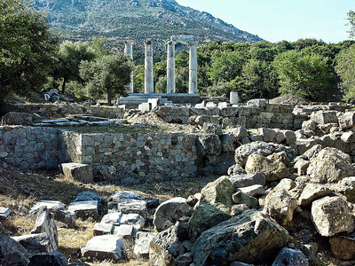 greece-temple-ruins