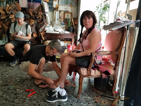 Cindy meets the Sandal Maker