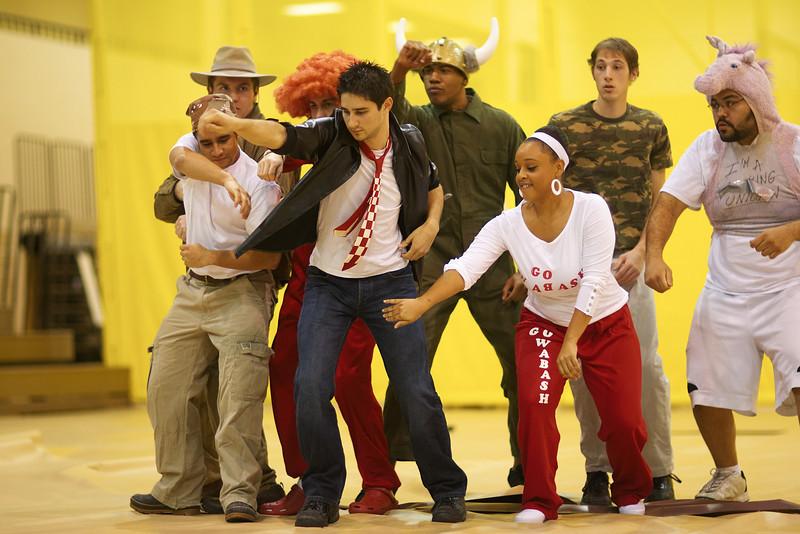 /Users/alexturco/Pictures/The DePauw/November 2008/Ring_Sing_20081113/Picks/CaptureOne/.ART_1107.jpg
