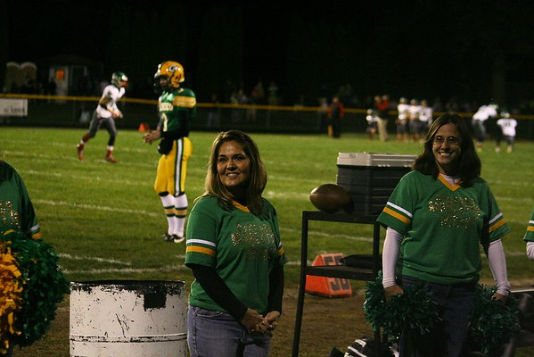Homecoming - Cheerleaders, Alumni Maplettes, & Current Maplettes