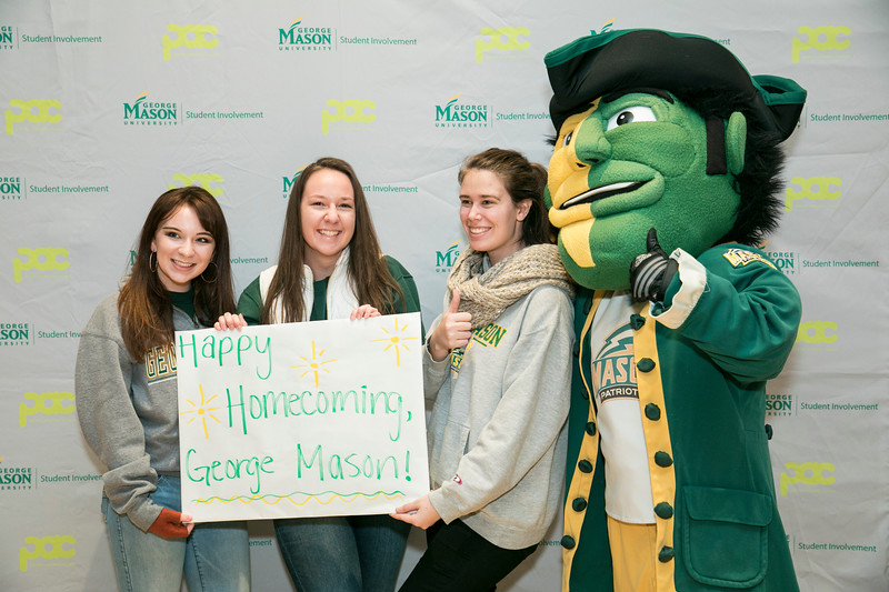 Homecoming parade and opening at Fairfax Campus.  Photo by:  Ron Aira/Creative Services/George Mason University