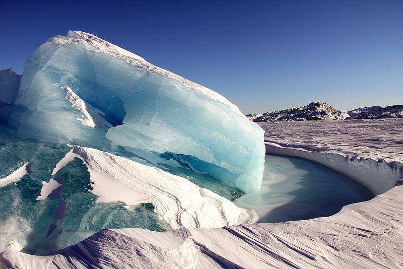 51 Iceberg frozen in Fjord