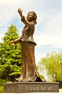 Statue - Gov School
