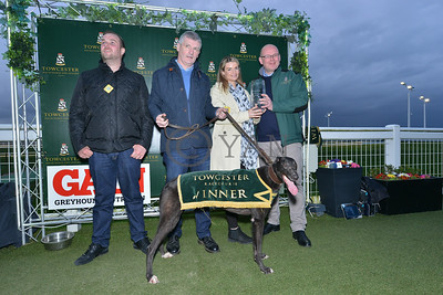 droopys_trapeze_pres