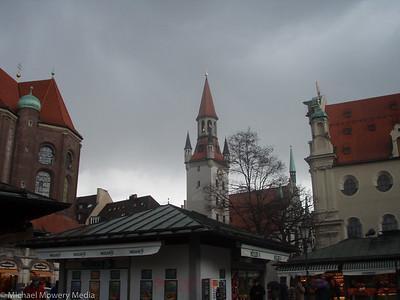 Viktualienmarkt (Farmers Market)