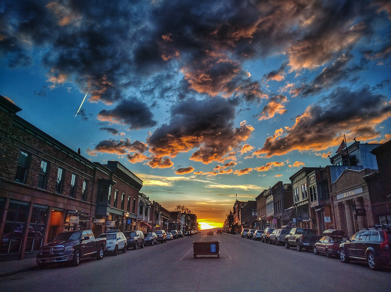 Telluride Essence - Sunsets don't care about Shoulder Seasons