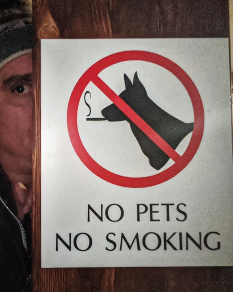 Keeping an #eye out for #smoking #dogs #therebar #telluride #colorado #photooftheday #day20