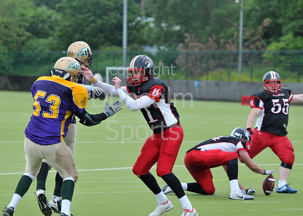 East Kilbride Pirates v Doncaster Mustangs. Division 1 at Garscube on 26 June 2011.