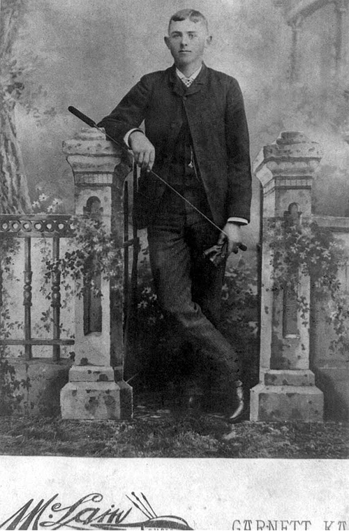 1895 - William Redman Grigsby:  Will at about 24 having his picture made (in Garnett, Kansas about five miles south of Wiiliamsburg) just before he married Lida Alma Graves on December 31, 1895 in Williamsburg, Kansas.