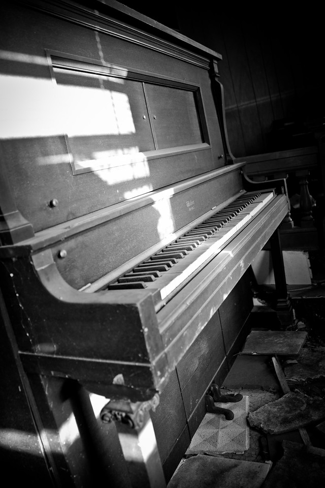 Delta music! Some old pianos and other southern style photos of mississippi music! Some photos just scream for Black and White! These Mississippi Delta photos are no exception.