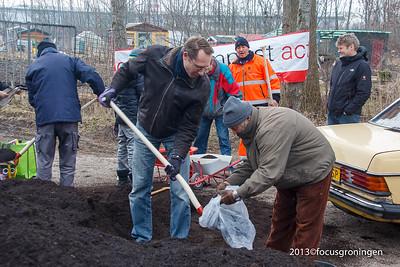 nederland 2013, groningen, friesestraatweg,volkstuincomplexcompost actie gemeente groningen, jan seton