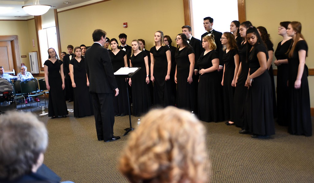 . Groton Dunstable Chamber Choir performing at the Leominster Public Library. SUN/ David H. Brow
