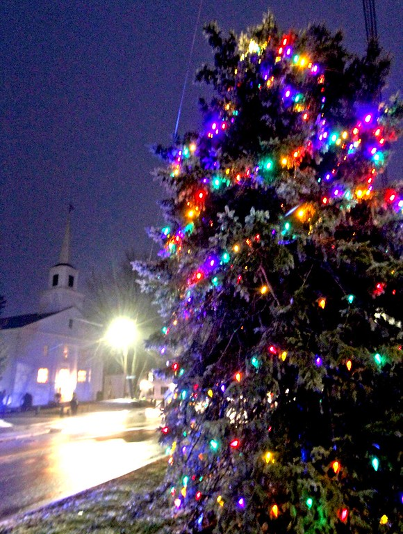 . Groton Interfaith Council Community Tree Lighting. SUN/ David H. Brow