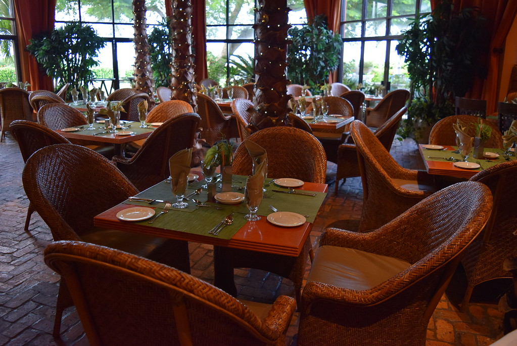 Palm Court Dinning at Grotto Bay Beach Resort & Spa.