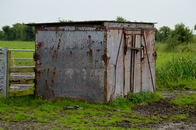 Unknown BR 'F' Container, end of Gills Lane, Rooks Bridge, Somerset    30/08/15
