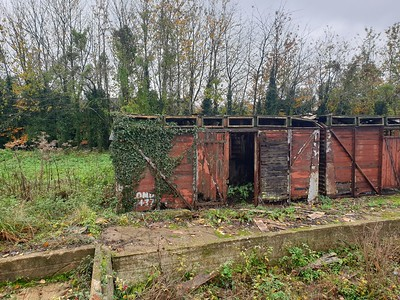 2 x Unknown 12t Vent Vans 'Plank' located at... Rye House, Icknield Way, Tring, Herts HP23 4LA      14/11/19